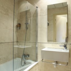 Sure Hotel by Best Western Paris Gare du Nord - salle de bain